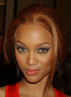Visage triangulaire - Tyra Banks