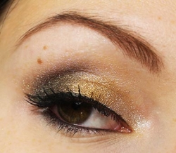 Yeux avec seulement: Star Dust + Rust + Iron Maiden - Liquid Metal de Kett Cosmetics