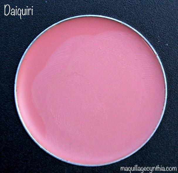 Daiquiri est un beau rose pâle neutre