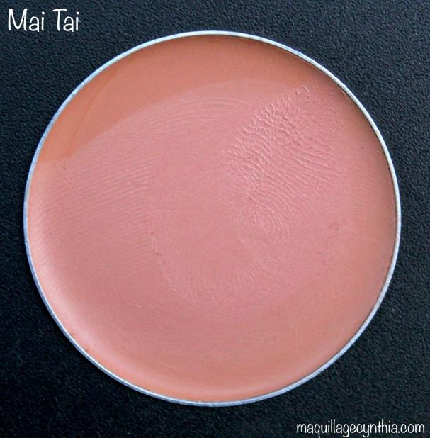 Mai Tai est un abricot pâle/moyen