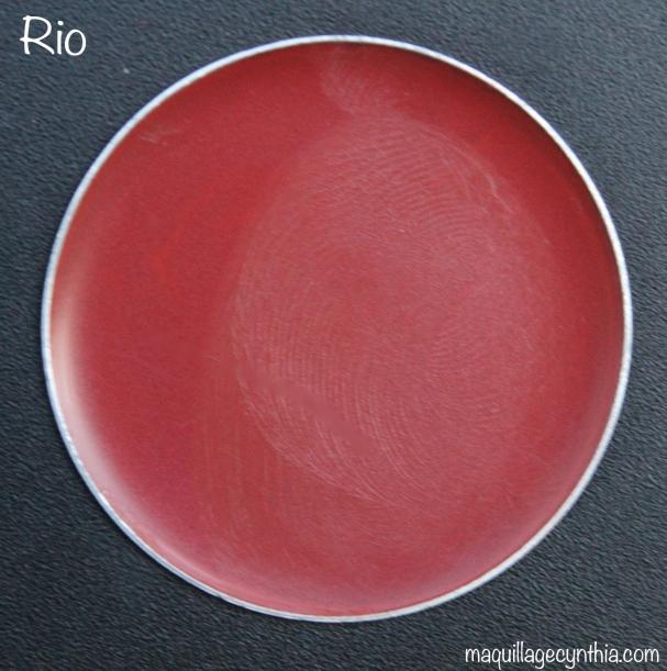 Rio est un brun-rouge foncé