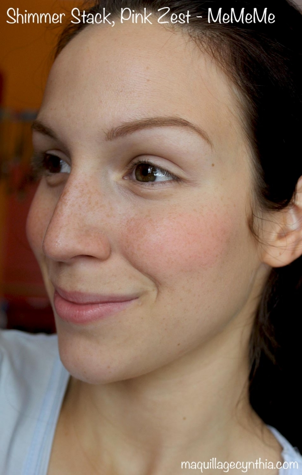 Illuminateur/blush Shimmer Stack de MeMeMe Cosmetics swatche