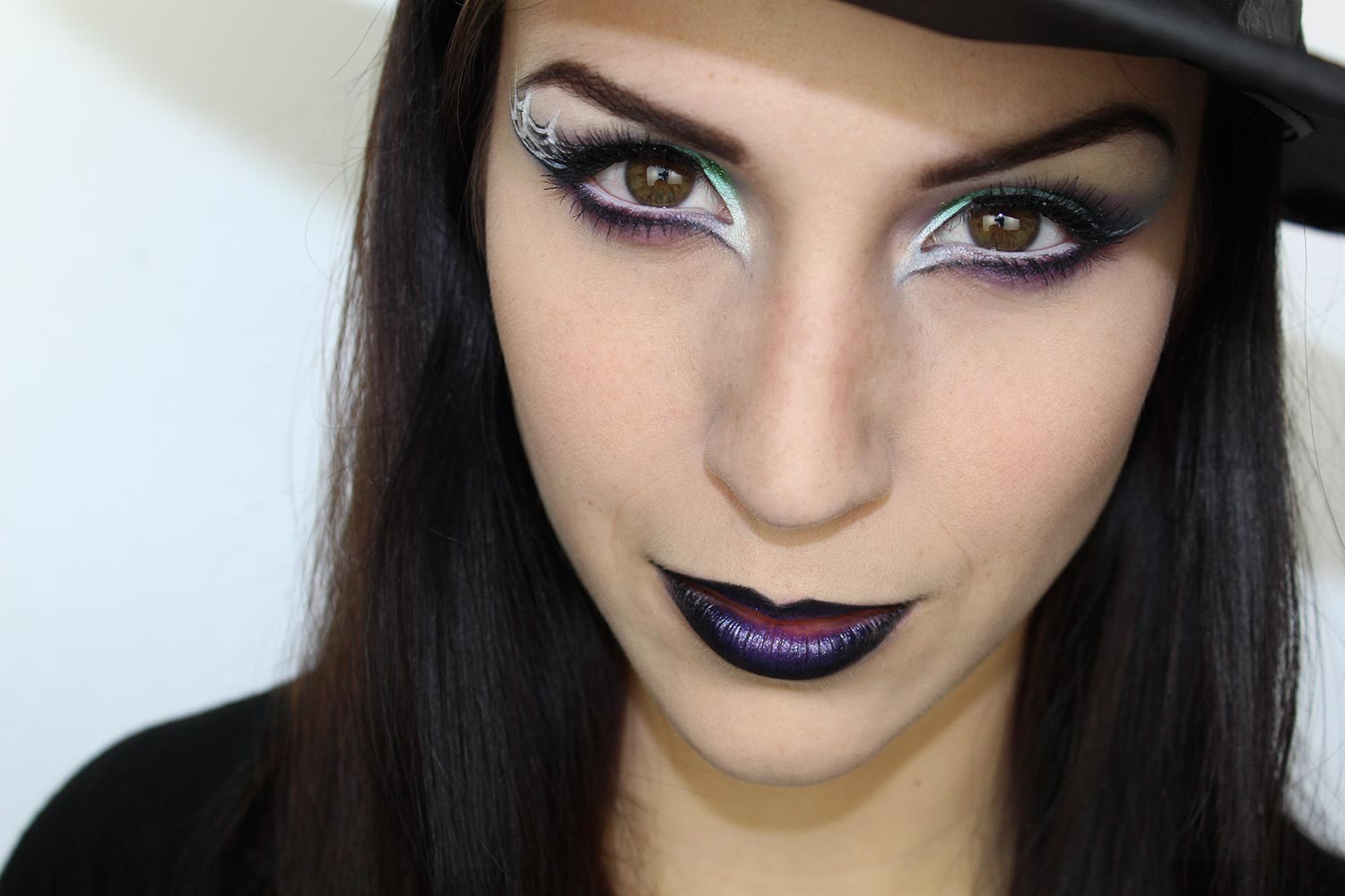 Maquillage d 39 halloween sorci re glam maquillage cynthia Maquillage de diablesse facile a faire