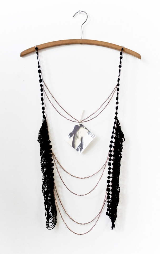 Bijou préféré de la designer : I am not a vest, I am jewlery, 236 $