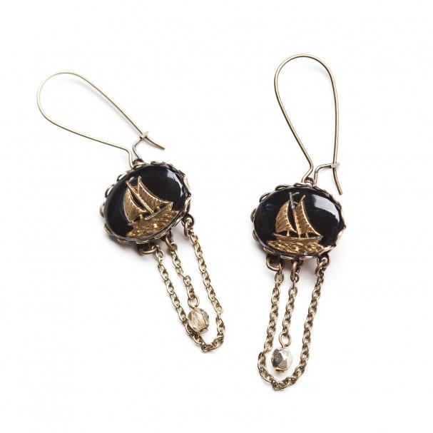 Bijou préféré de la designer : Boucles d'oreilles Travelers, 41,39 $