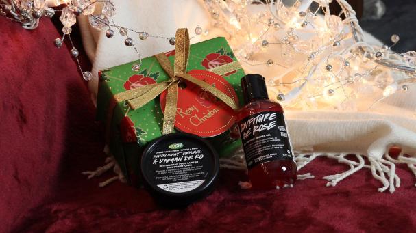 6. 1 kit Rosy Noël de LUSH