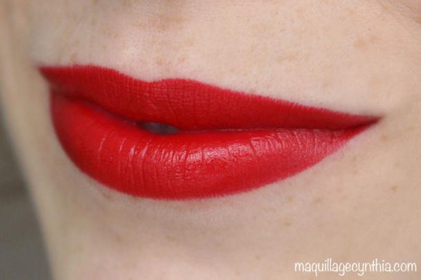 C405 -Ils ont beaucoup de beaux rouges mais celui-ci retient mon attention. Très lustrant et rouge feu… Trop vintage.