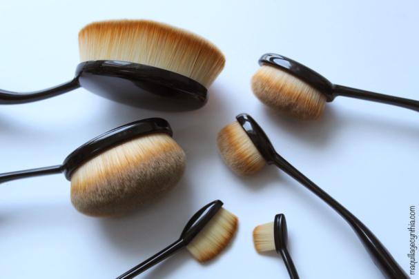 J'ai testé des pinceaux à maquillage nouveau genre - Elle R Cosmétiques Looky Brush
