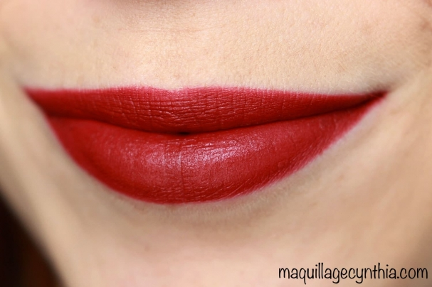 Hollywood Lips DANGEROUS LIAISON