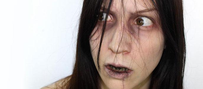 Maquillage d'Halloween : petite fille possédée